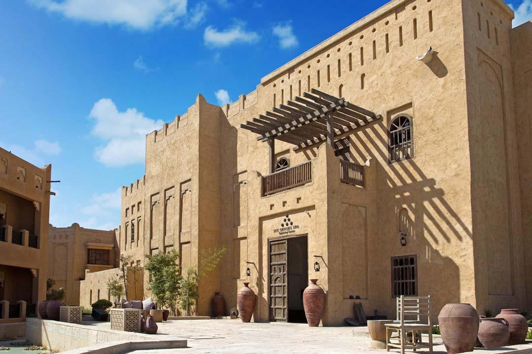 Al-Sharq-Village-and-Spa-05